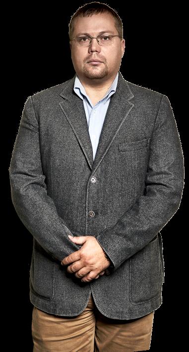 Дмитрий Денисенок - начальник  отдела  бункеровки